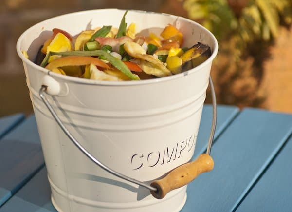 Small compost bins for container gardening